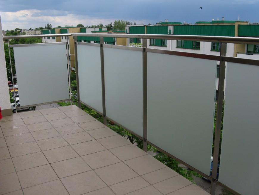 Folia okienna matowa na szybie balustrady